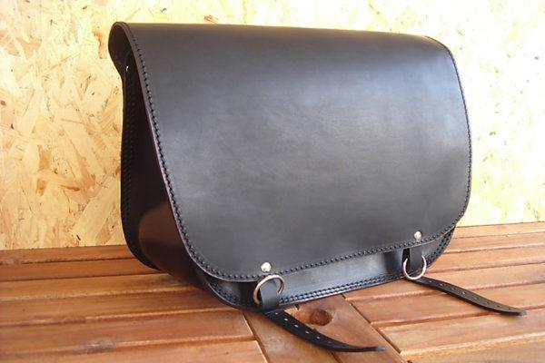 borsa moto nera in cuoio profilo max cuoio torino