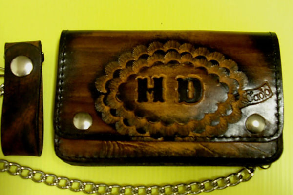 portafoglio personalizzato logo in rilievo max cuoio torino