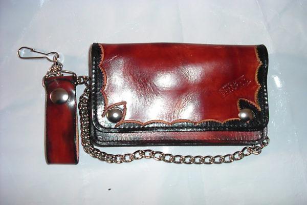 portafoglio in cuoio rosso con catena max cuoio torino